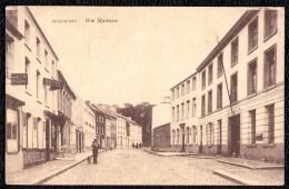 Beaumont : Rue Madame Vers 1922 ( Grand Hôtel + Café De La Poste A Gauche - Poste Et Caisse D'épargne A Droite - Beaumont