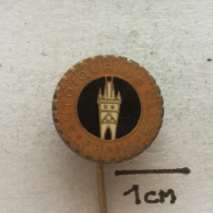 Badge (Pin) ZN002476 - Automobile (Car) Autotouring Club Praha (Prague) - Unclassified