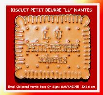 """SUPER PIN´S BISCUIT : PETIT BEURRE """"LU"""" Signé Sauvagine En Bel émail Vernis Cloisonné Base Or - Alimentation"""