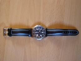 Montre Lip Classics Quartz, Avec Dateur, étanche 30 M, Bracelet Cuir D´origine - Horloge: Antiek
