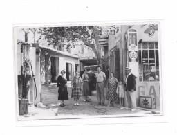 Carte Photo à Identifier :  Garage Automobile Dans Village ,Pompes à Essence, - Cartes Postales