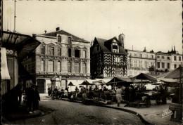 17 - LA ROCHELLE - Marché - La Rochelle