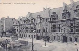 France Grenoble Palais de Justice et Statue Bayard