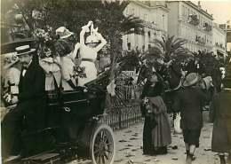 020916 - 69 LYON PHOTO E BRUCHON - Début XX ème - 06 NICE Carnaval Jeunes Filles Sur Une Automobile Fleurie - Luoghi