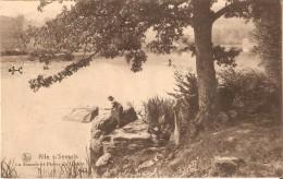 """ALLE-sur-SEMOIS (5550) :  La Semois à La """"Pierre Du Diable"""" - Jeune Femme En  Train De Pêcher. CPSM. - Vresse-sur-Semois"""