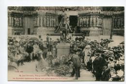 CPA   51  :  REIMS  Statue Jeanne D´arc Et MR Germain   A    VOIR  !!! - Reims