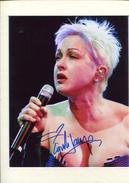 CYNDY LAUPER - Autographes