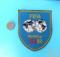 FIFA FOOTBALL WORLD CUP USA '94. Original Old Official Patch * Soccer Fussball Futbol Calcio Foot * Coupe Du Monde 1994. - Apparel, Souvenirs & Other