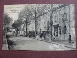 CPA 55 BELLEVILLE SUR MEUSE Rue Du Maréchal Petain Et Pont Du Chemin De Fer RARE GARAGE VOITURE CYCLES POMPE ESSENCE - Sonstige Gemeinden