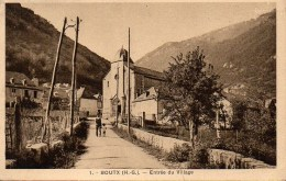 31 BOUTX  Entrée Du Village - France