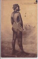 SAINT-LOUIS (SENEGAL)  PROSTITUEE FUMANT - Senegal