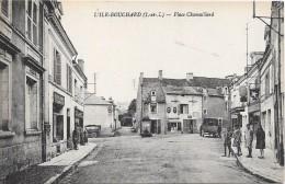 L'ILE-BOUCHARD - Place Chamaillard - L'Île-Bouchard