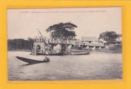 GUYANE  - CAYENNE -97300- TRANSPORT - Débarcadère De La Pointe Macouria - Chaloupe Assurant Le Service  Etc - Animation - Cayenne