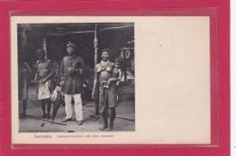 SURINAME - Indianen-Kapitein Met Zijne Vrouwen - Indiens Capitaine Avec Ses épouses- Animation - Surinam
