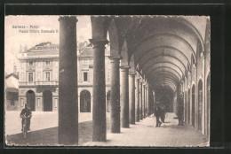Cartolina Garlasco, Portici, Piazza Vittorio Emanuele II, Radfahrer - Altre Città