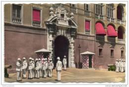 Monaco - La Releve De La Garde Au Palais Princier - Monaco