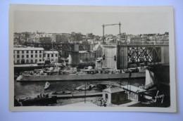 CPA 29 FINISTERE BREST. Pont Tournant Ouvert Pour Le Passage D Un Contre Torpilleur. - Brest
