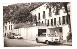 CABRESPINE , Aude : Auberge Du Roc De L'Aigle; Hotel Restaurant; Belle  404 PEUGEOT, Estafette Renault, 4; Années 50, TB - Autres Communes