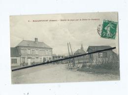 CPA - Hallencourt  - Entrée Du Pays Par La Route De Oisemont - France