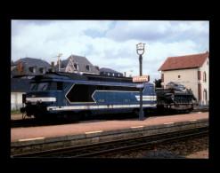 19 - EYGURANDE-MERLINES - Train - Locomotive - Gare - Tank - Eygurande