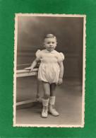 PHOTO ENFANT Souvenir De Ses 2ans TENUE  BARBOTEUSE PHOTOGRAPHE  H MIETTE CORBIE  Dimension 13cmX8,50cm - Corbie