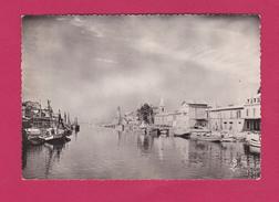 30 - LE GRAU DU ROI - Les Bateaux De Pêche à Quai Sur Les Rives De La Vidourle - Le Grau-du-Roi