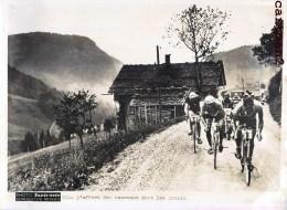 TOUR DE FRANCE L'EFFORT DES COUREURS DANS LES ARAVIS CYCLISME HAUTE-SAVOIE CHAMPION CYCLISTE PHOTO PARIS-SOIR PRESSE - Ciclismo