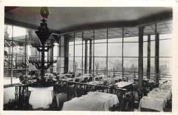 """PARIS - La Tour Eiffel,son Restaurant """"en Plein Ciel"""" (en 1950) + Vignette Bi Millénaire De Paris - Tour Eiffel"""
