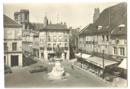 Carte Postale Année 70 Langres (52) Place Diderot Avec Autos - Langres