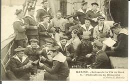 CPA Marine : Scènes De La Vie De Bord, Distractions Du Dimanche  12956 - Altri