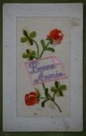 Carte Brodée, Fleurs - Bonne Année - Bordure Gaufrée - Nouvel An