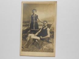 Carte Photo - Couple HOMME &  FEMME En Tenue De Bain Au Début Du Siècle  - Mode Maillot De Bain  Vers 1900 - Fashion