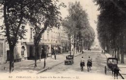 CPA VERSAILLES - LE LE THEATRE ET LA RUE DES RESERVOIRS - Versailles