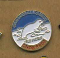 G# - PIN´S:  UNION NATIONALE ECOLOGISTE - BEBE PHOQUE - CNDA - PPDA - Associations