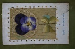 Carte Ornée D'une Fleur En Tissus (pensée) - Bordure Décorée - Bonne & Heureuse Fête - Fêtes - Voeux