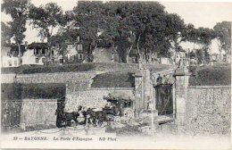 BAYONNE - La Porte D' Espagne - Attelage (Diligence)   . (90385) - Bayonne