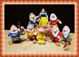 Walt Disney Bully : 8 Figurines Blanche Neige Et Les 7 Nains + Gincheux + La Sorcière - Disney