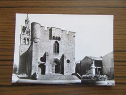 Quintenas ( Ardèche 07 )       L'Eglise                                            Vieille Voiture - Sonstige Gemeinden