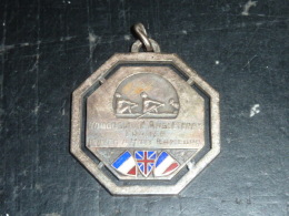 BROCHE INSIGNE - YOUGOSLAVIE ANGLETERRE FRANCE MATCH A HUIT RAMEURS - PARIS LE 11 JUIN 1933 - RARE AVIRON SPORT - Rowing