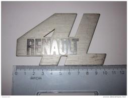 Refboite30  * 1 Logo Métal  Renault 4L R4 - Passenger Cars