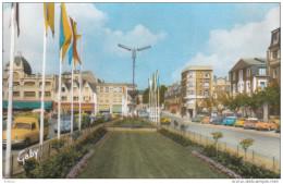 CPSM  SAINT-BRIEUC - Place Duguesclin - Saint-Brieuc