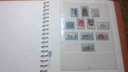 F0770 RELIURE LINDNER BERLIN 1977 / 90 PRESQUE COMPLET MAJORITÉ *.* COTE ++ DÉPART 30€ - Stamps