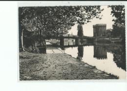 55 VERDUN Le Pont Et La Porte Chaussée , Tampon - Verdun