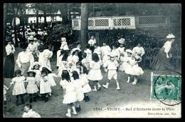 Cpa Du 03  Vichy Bal D' Enfants Dans Le Parc    LIOB108 - Vichy