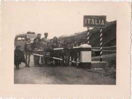 Photo Originale Autobus SATA Barcelonnette à La Frontière Italienne - Automobiles