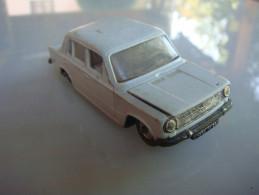 épave Norev   Fiat 124 - Jouets Anciens