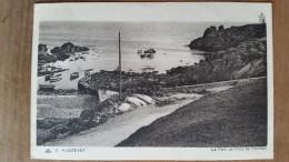 Plozevet.le Port De Pors De Poulhan. CAP N ° 11 - Plozevet