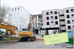 Chaumont - Démolition D'un Immeuble Au Quartier La Rochotte - Grue - Chaumont