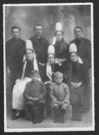 Bretagne - Ancienne Photo De Famille, Coiffes - Personnes Anonymes