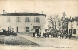 YVRAC UN COIN DE LA PLACE - France